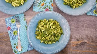 Rach is making this lemon pesto pasta for her own mother this Mothe...