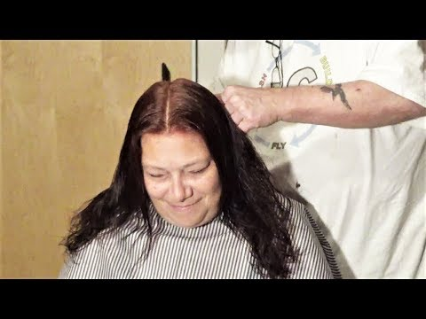 Daisy Mae gets a new 'do by haircutdad!