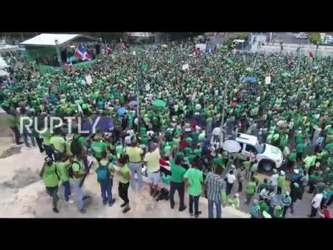 Dominican Republic: Tens of thousands join 'Green March' against corruption