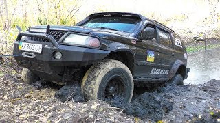 Video ➤ Toyota Prado vs Mitsubishi Pajero Sport [Off-Road 4x4] download MP3, 3GP, MP4, WEBM, AVI, FLV Maret 2018