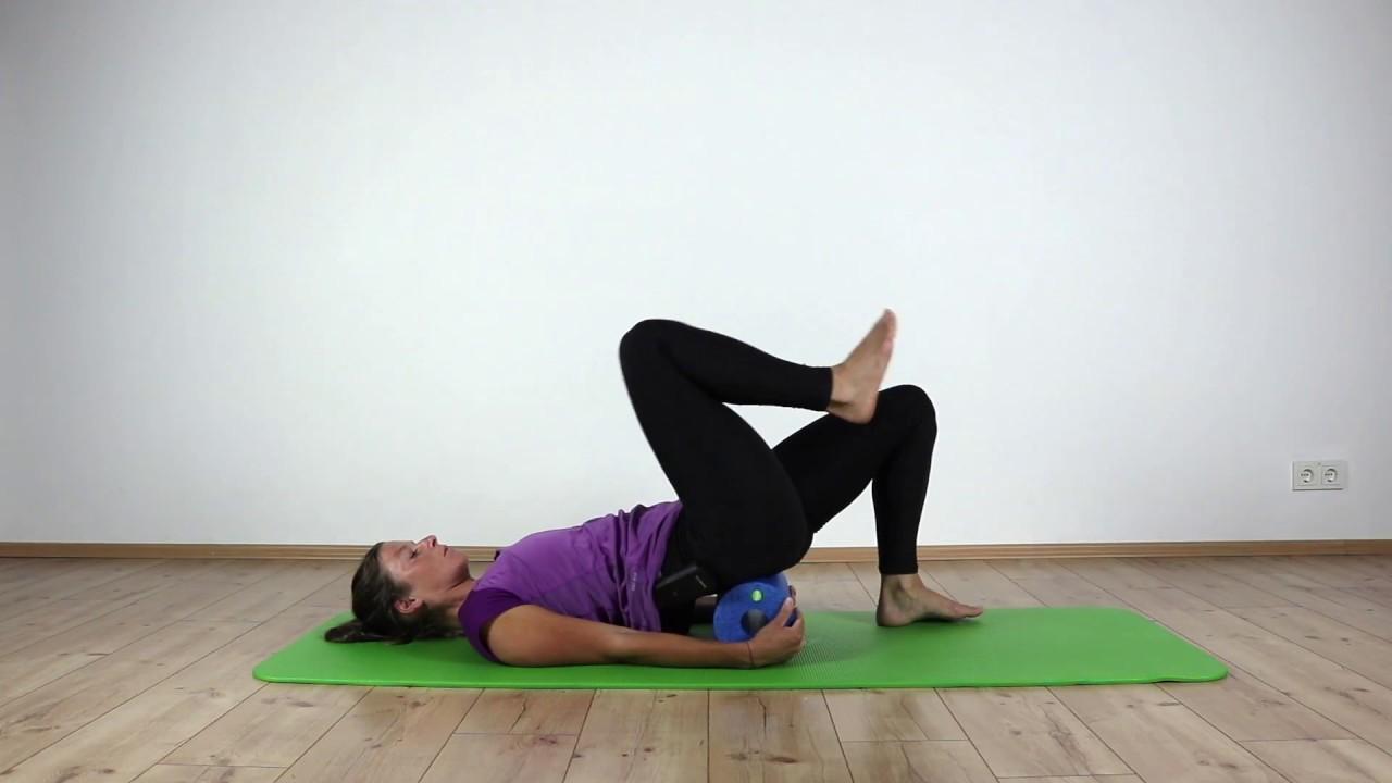 Übungen die wirklich gegen Rückenschmerzen helfen: Rollen..