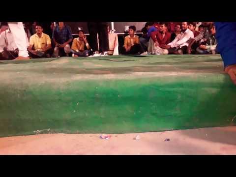 Bade Miya Chote Miya // Mein Khiladi Tu Anadi // Amitab Bacchan // Akshe Kumar
