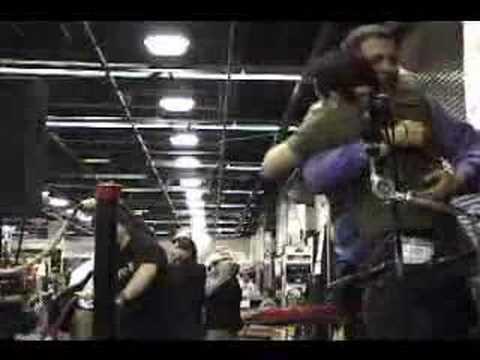 WFD - Mike Mangini - World Record (1203 Single Strokes)