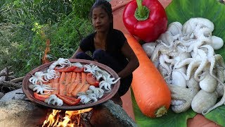 Grilled Octopus with Carrots on Clay for Lunch food ideas - Food forest and eater Ep 37