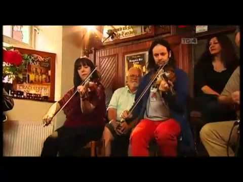Ceili Bandits in Brogans Bar, Ennis