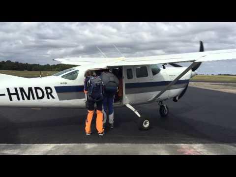 Saut parachute tandem vannes youtube - Saut parachute vannes ...