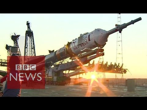 Space rocket: Up close & personal (360 video) - BBC News