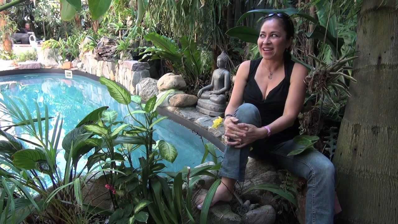 monica s tropical garden in los angeles youtube - Tropical Garden 2016