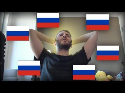 Американский стример учит русский язык в Доулинго Duolingo