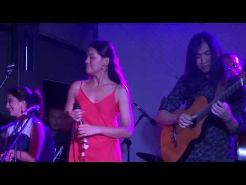 Free Download [hd] Monita Tahalea - Di Batas Mimpi | Hai - Stage Bus Jazz Tour 2017 @ Jcm [fancam] Mp3 dan Mp4
