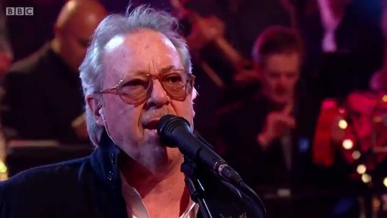 Boz Scaggs - Lowdown (Jools Annual Hootenanny 2015) - YouTube