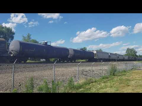 westbound-bnsf-transfer-train-passes-by-sheffield-family-life-center-in-kansas-city,-mo
