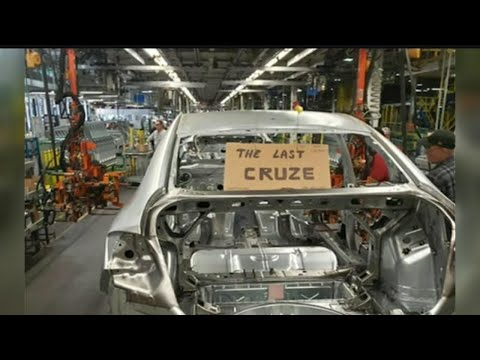 Lordstown's Last Chevy Cruze Makes Its Way Through GM Plant