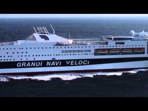 Linja e durr s bari tashm edhe nga kompania 39 grandi navi for Grandi arredi bari