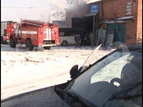 Автосервис почти полностью сгорел в Хабаровске. Mestoprotv