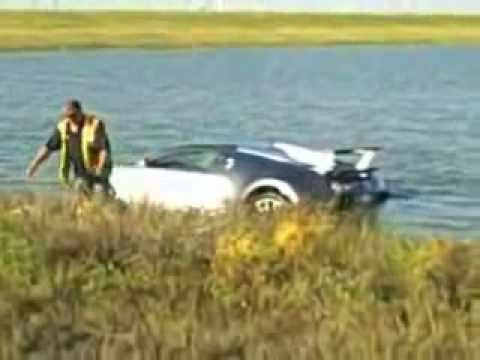 Bugatti veyron crash in lake - photo#25