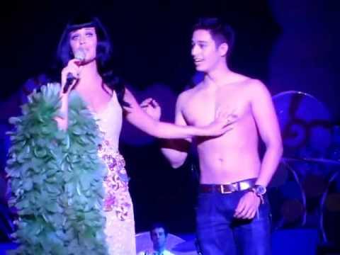 Katy Perry Kissing a cute Boy (Ivan Dorschner) live in manila 2012 California Dreams.wmv