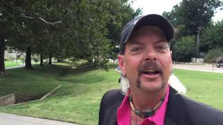 Joe Exotic kicked out of Donald Trump fundraiser