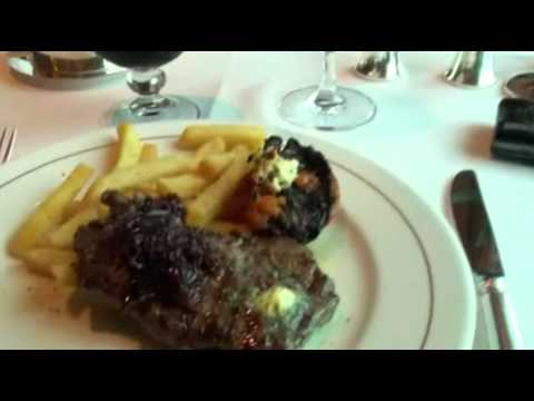 Pranzo al ristorante britannia Queen Elizabeth -liveboat.it