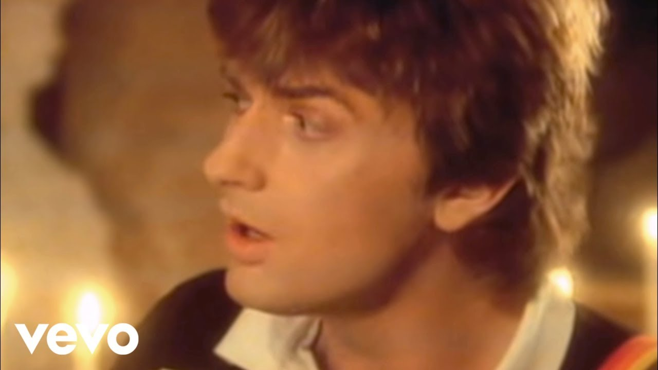 Mike Oldfield ft. Maggie Reilly - Moonlight Shadow (Official Video)