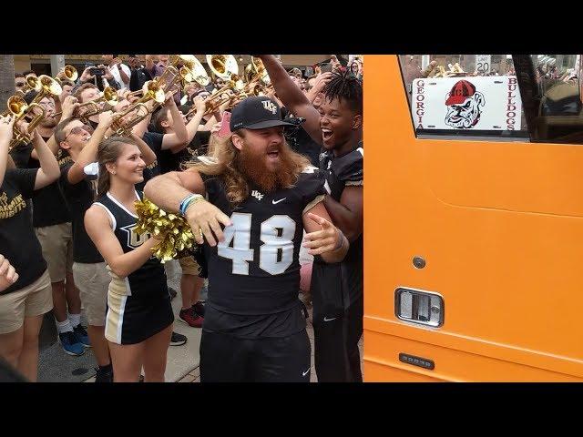 ESPN College GameDay Bus arrives at UCF