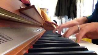 吉井和哉さんの「スティルアライブ」を弾き語りしてみました。 名曲です。