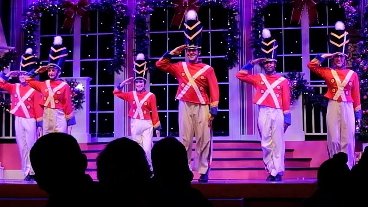 Busch Gardens Christmas Town Tampa.Full Christmas Celebration Stage Show At Busch Gardens Tampa Christmas Town 2017
