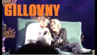 Gillovny moments at s convention panel 2018 (David Duchovny Gillian Anderson The X Files)
