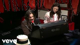 The White Stripes - My Doorbell (Live @ VH1 9/23/2005)