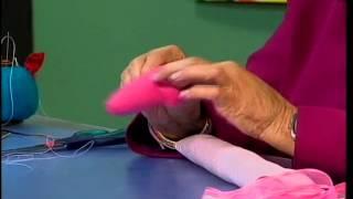 Repeat youtube video Teleamiga -- Aprenda y Venda -- Muñeca de trapo