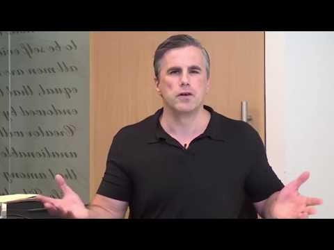 Tom Fitton discusses Clinton/Abedin Emails, Deep State attacks on Trump, & New Info on POTUS Travel