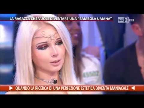 """La """"bambola umana"""" Valeriya Lukyanova - Quelli che il calcio 01/02/2015"""