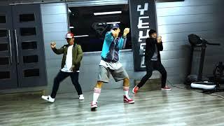 Finesse (Remix) - Bruno Mars Feat. Cardi B (Dance Video)