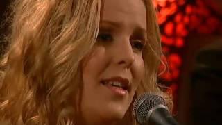 Sofia Karlsson - Frid på jord (December 24, 2010)