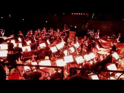V, original miniseries theme - Swedish royal philharmonic at Concert hall in Stockholm mp3