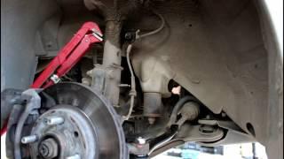 Chevrolet Aveo Шевроле Авео 2009 года Замена втулок и стоек переднего стабилизатора