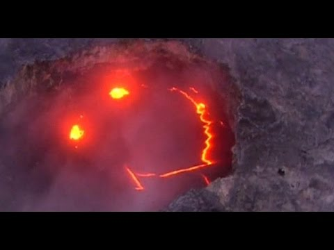"""""""Smiling Volcano"""" In Hawaii Goes Viral"""