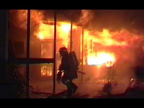 Christchurch News Archive :  Massive fire destroys Linwood high school