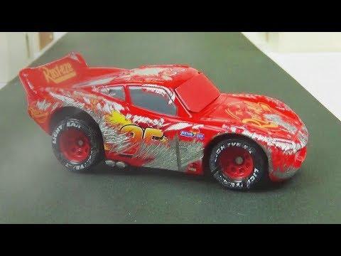 Lightning McQueen Crash & Repare!  Disney Cars 3 Toys Video for Kids