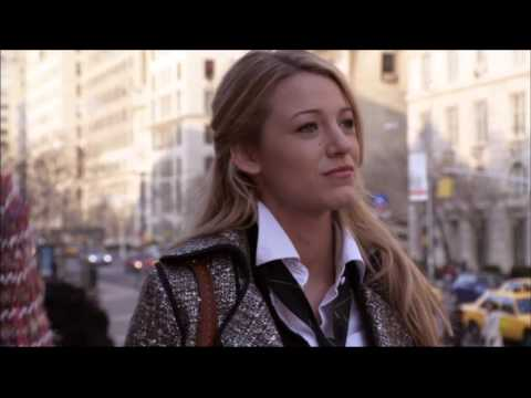 Gossip Girl 1x01 First Blair & Serena face-off on the Met Steps