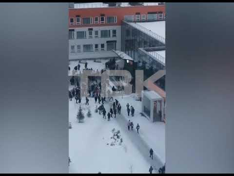 """Эвакуация учеников красноярской школы из-за """"минирования"""""""