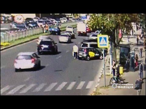 ГУ Національної поліції в Харківській області: Поліцейські Харкова затримали чоловіка, причетного до розбійного нападу на жінку в центрі міста