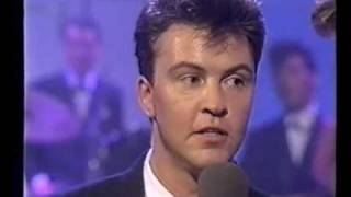 Paul Young & Q tips- Syslfm & Sweet Soul Music( Live) 1987 rare
