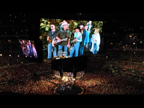 """george-strait---return-for-the-encore-into-""""all-my-ex's-live-in-texas""""-(final-show,-arlington,-tx)"""
