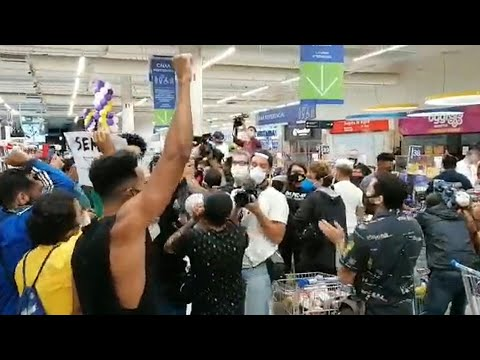 Rio: protest in Carrefour after death of black man beaten by security | AFP