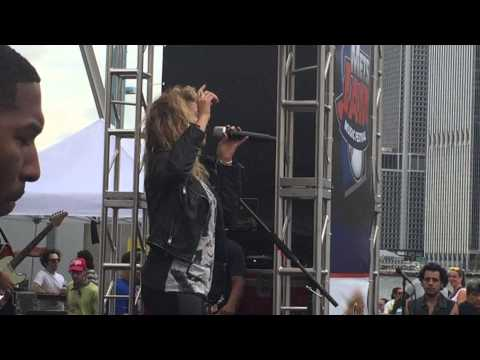 Nobody Love - Tori Kelly live NYC 2nd Annual Mets Festival