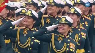 Kızıl Meydanda Görkemli Askeri Geçit Töreni