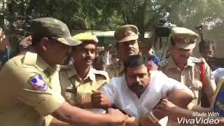 Pawankalyan fans attacks Kathi Mahesh || pawan ...