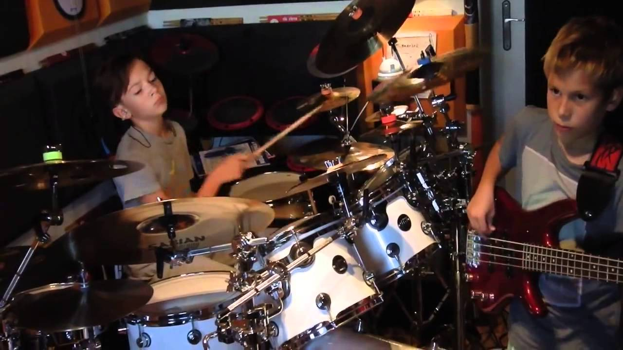 """Igor Falecki Official Channel (12) and Kamil Pyrek (11) playing Billy Cobham's """"Red Baron"""""""