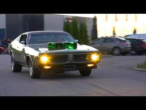 503 HEMI Dodge Charger – Burnout and V8 Sound